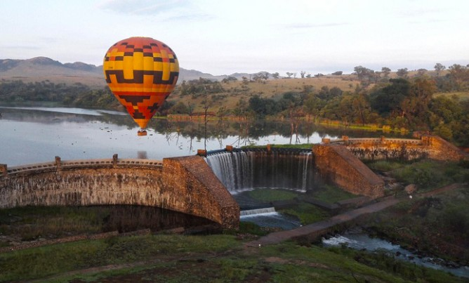 Exclusive Hot Air Ballooning Safaris over the Cradle of Humankind